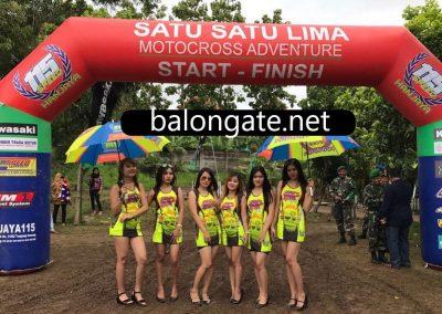 balon gate cross
